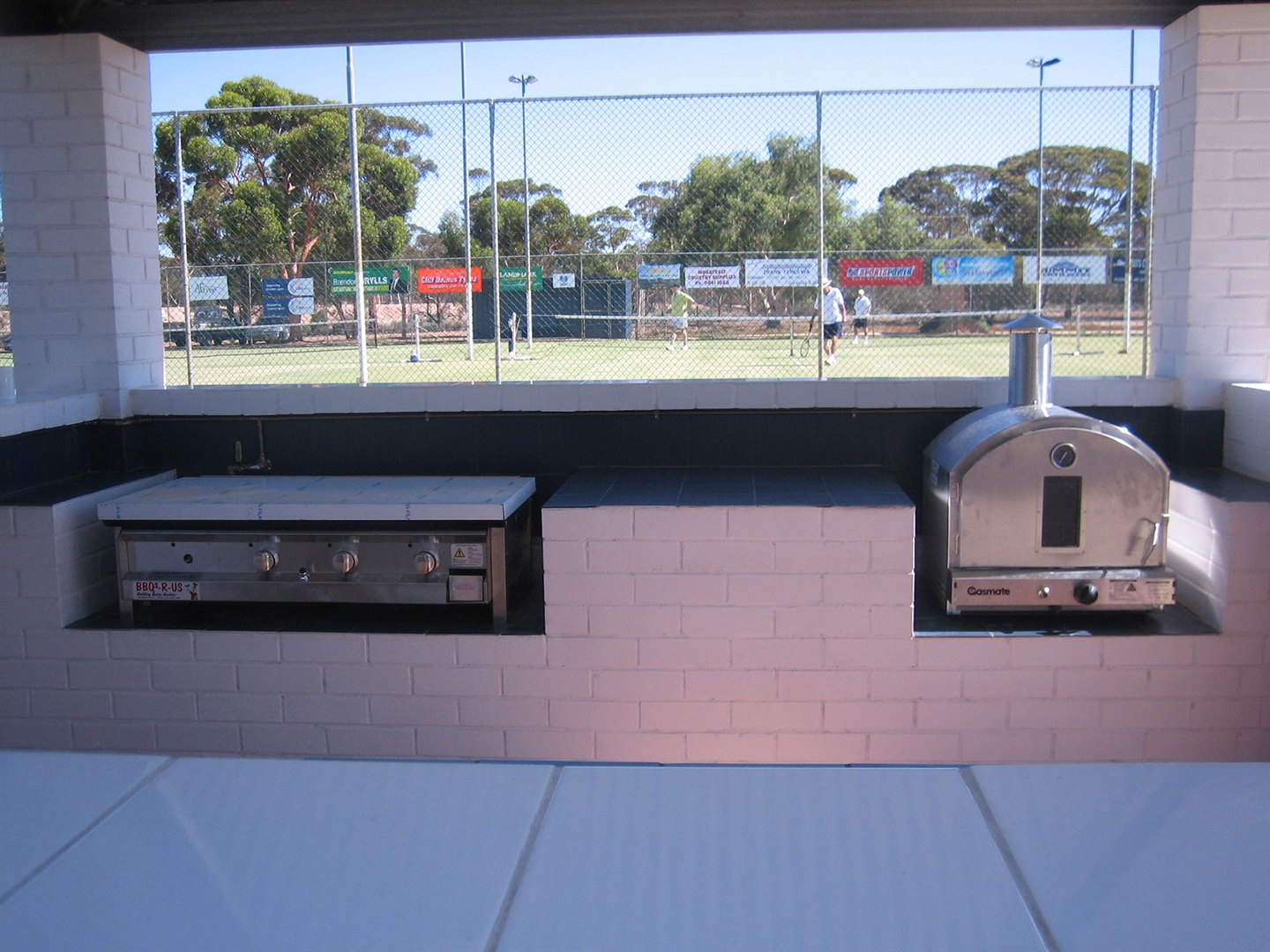 Outdoor Kitchen BBQs and Pizza Ovens